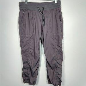 The North Face drawstring capri activewear pants M